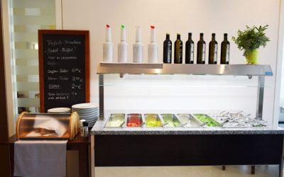 Neu – Frische Salattheke im Schumm Café